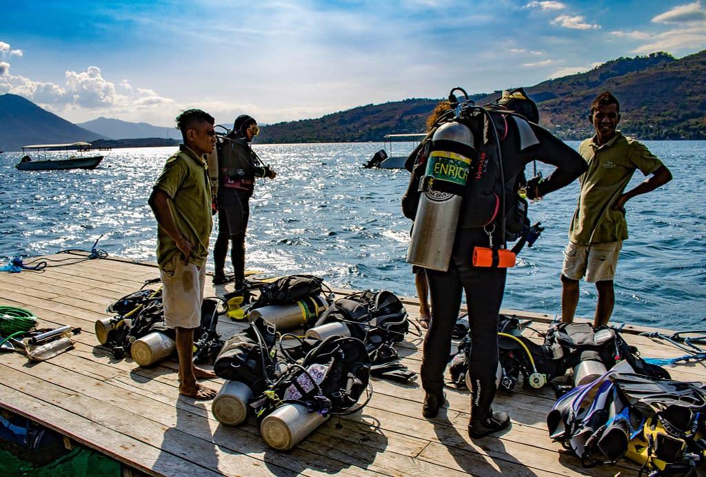 House Reef Diving - Alor - Richard Stevens, Black Manta Photography